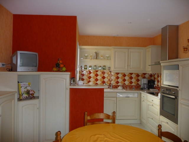 faience orange the age and of the piece and we are always. Black Bedroom Furniture Sets. Home Design Ideas